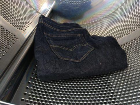 リジットデニムを乾燥機で乾かすとどうなる?